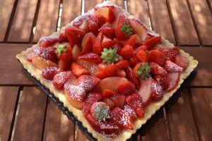 Presque un Cheesecake, Amandes, Fraises et Nectarines