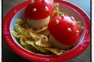 Decoration assiette : champignons.