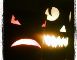 Photophores monstres pour halloween.