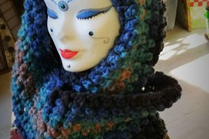 SNOOD BLEU AU CROCHET