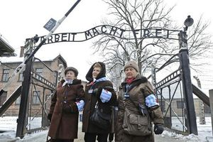 Auschwitz survivors determined that their tales of the Holocaust live on