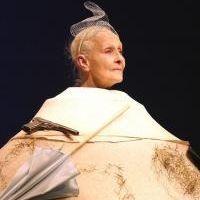 """Hommage - Catherine Samie dans """"Oh! Les beaux jours"""" de Samuel Beckett Souvenir...de 2007 ( trouvé sur theatrothèque.com)"""