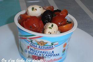 Salade expresse tomates, mozzarella, olives et basilic pour l'apèro!!