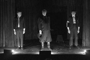 Terrenal -Teatro