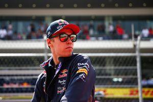Red Bull conserve Daniil Kvyat pour 2016