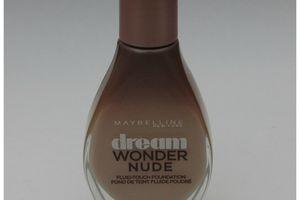 "Fond de teint ""Dream Wonder Nude"" Maybelline"