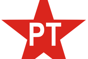 Des délégués du Forum Social Mondial de Porto Alegre soutiennent Dilma Roussef