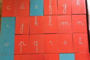 Fabrication de lettres rugueuses chez Emilie44