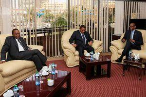 Umubano w'u Rwanda na Tanzaniya ni ntamakemwa ! Kagame yongoreye Kikwete baraseka !