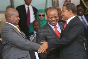 Burundi : Museveni niwe wagenwe nk'umuhuza mu gihe Gen. Niyombare Godefroid yatangiye intambara !