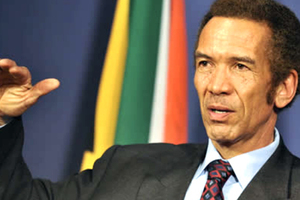 Botswana leader Khama slams Burundi's Nkurunziza over third term power grab