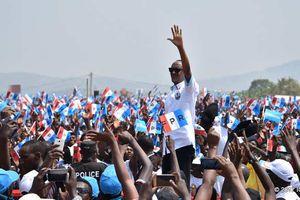 Rwanda : Kuki Kagame avuga ko ibizava mu matora bizwi ariko agakomeza kwiyamamaza ?