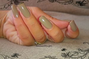 Vernis NUDE TAUPE, n°136, une agréable surprise.