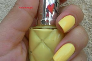 Vernis jaune poussin YES LOVE