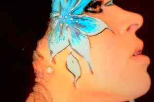 Maquillage, fleurs bleues, make up