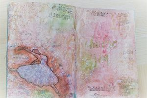 "Art Journal avec papier riz et medium à crackler "" La danseuse"""