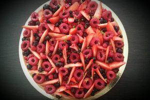 Tarte panna cotta, fruits rouges et citron vert