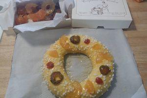 Brioche / couronne des rois avec fruits confits