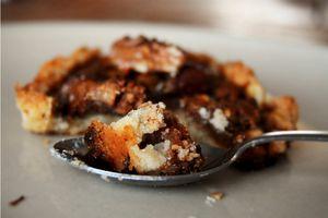 [recevoir simplement des amis véganes] : tartelette au caramel de dattes et aux noix