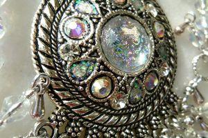 Giboulées de Mars - Collier plastron aux longues franges en cristal de Bohème et gouttes en argent du Tibet de style Boho Chic