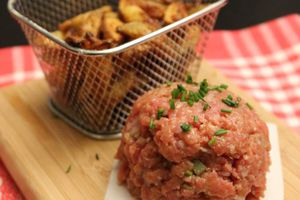 Tartare de boeuf et potatoes