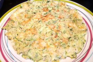 Galette soufflée géante aux courgettes et au fromage