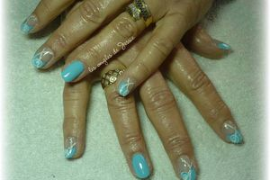 French Turquoise Nail-Art blanc