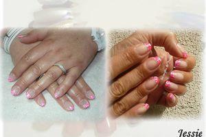 Manucure en petits carrés - rose et blanc - French blanche ou NailArt seul...