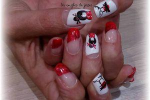 nailart japonais geisha et temple sur french rouge