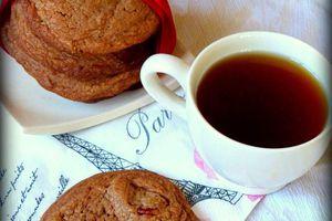 Cookies au chocolat au lait et noix de pécan pour utiliser les oeufs de Pâques