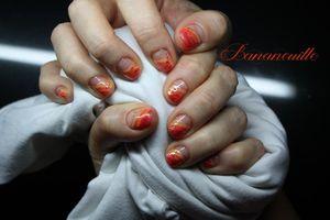 """Nouvelle tenue orange , nouveaux """"Nail Art""""  assortis!"""