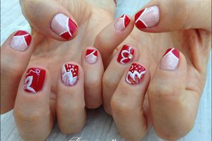 "Nail Art "" French drapée rouge & fleurs blanches"""