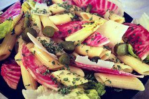 Salade italienne : penne regate et betterave chiogga