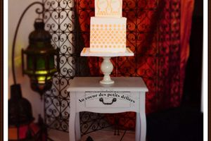 Wedding cake Oriental blanc et or