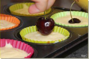 Petits gâteaux légers à la ricotta et aux cerises