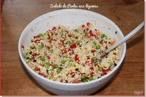 Salade multicolore de perles aux petits légumes