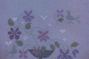 Petite pochette aux violettes