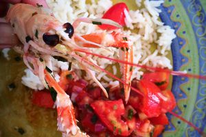 Poêlée de langoustines au beurre, à l'ail et son rougail tomates #Recettedevacances