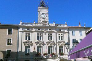 Conseil Municipal d'Orange du 3 oct 2016 : L'inégalité pour le prêt des salles municipales