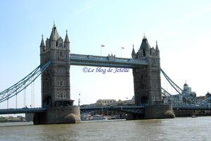Tower Bridge à Londres (GB)