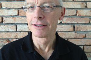 John Stauber :  » le système qui choisit et élit le président américain est une farce »