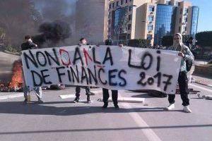 L'Algérie de 2017 entre les grèves et les émeutes