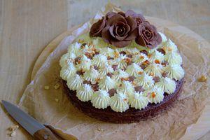 Financier noisette et chocolat, crème au chocolat blanc