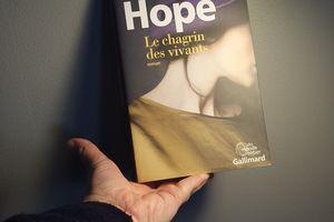 Le chagrin des vivants, d'Anna HOPE