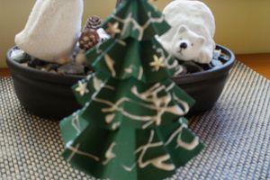 Décor de Noël: petit sapin.