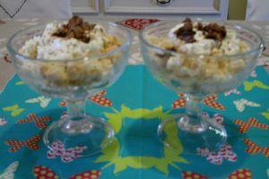Coupe: crème mascarpone et kiwi frais.