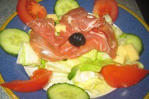 salade composée à la Coppa et au Comté