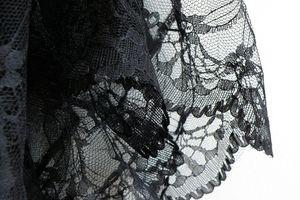Custo : la dentelle, sexy et pas compliquée