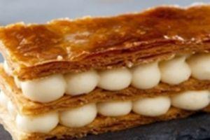 Le dessert Millefeuille à la creme Chiboust Marrons