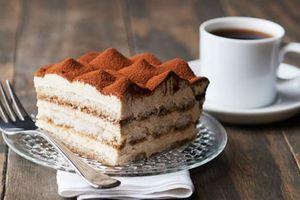 Đọc qua là làm được bánh Tiramisu kem pho mát